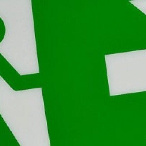 Rømningsvei fra hus og leilighet – Hva er tryggest, og hvilke regler gjelder?