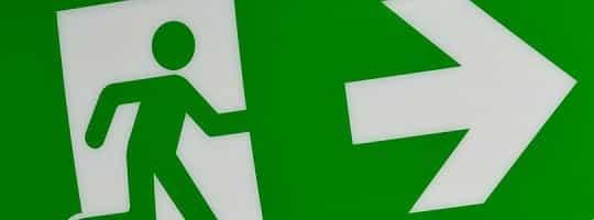 Rømningsvei fra hus og leilighet - Hva er tryggest, og hvilke regler gjelder?