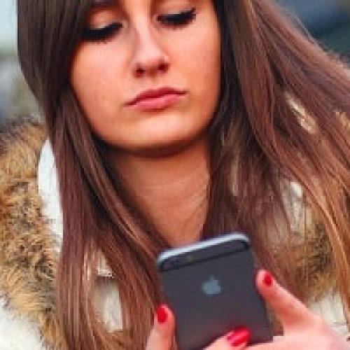 Hvordan sikrer du mobiltelefonen mot virus, spam, SMiShing og svindel ?
